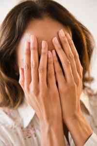 Как избавиться от головной боли при месячных